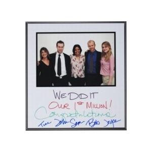 Autograph Plaque 201-300 Sq. Inches